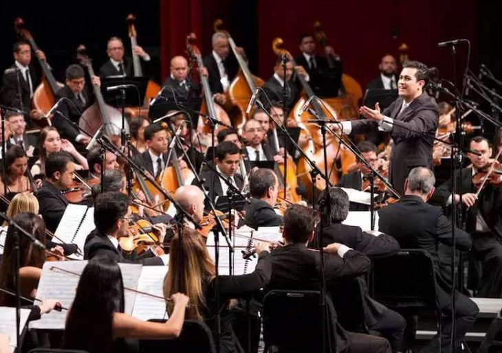 Con el grito de ¡Viva Venezuela! ovacionaron a la Sinfónica Simón Bolívar en México