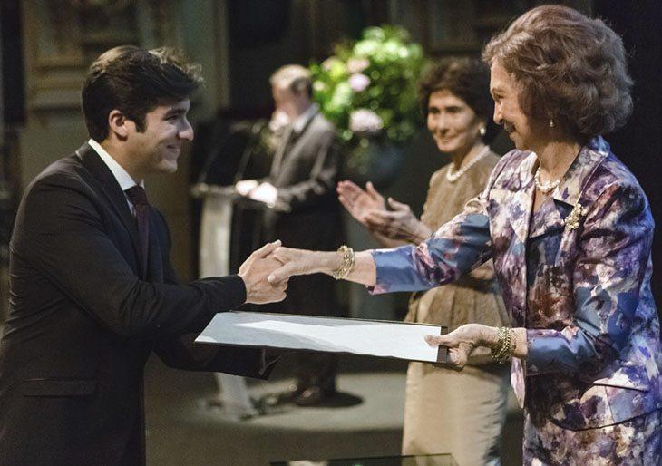 El Tenor César Arrieta recibe reconocimiento en Madrid
