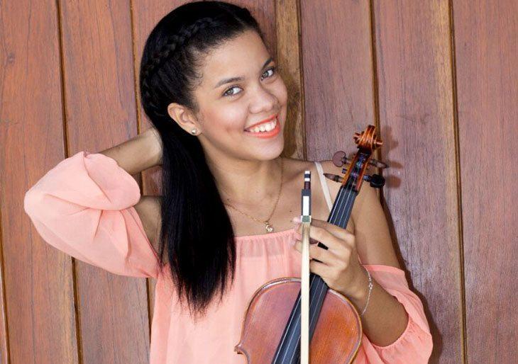Massiel Acosta ejecutará el Concierto N.22 en La menor para violín y orquesta del violinista y compositor italiano Giovanni Battista Viotti.