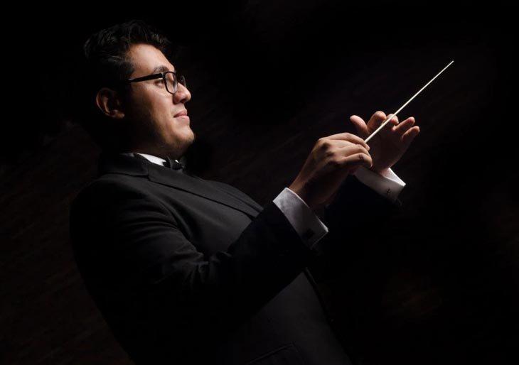 La batuta de Jesús Uzcátegui viaja a Suiza para aprender y seguir formando a las orquestas venezolanas