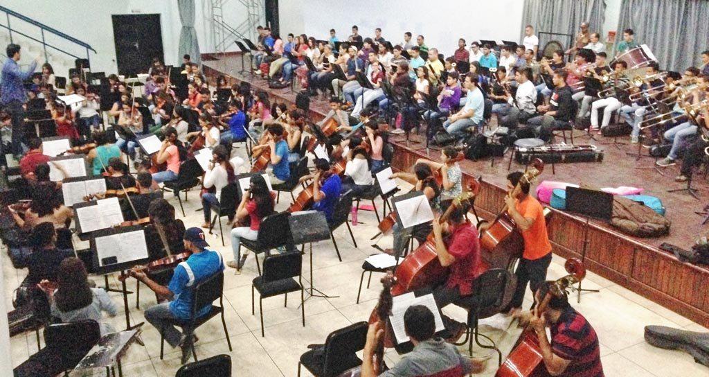 Orquesta Sinfónica Generacional de Falcón presenta concierto en el Teatro Armonía de Coro