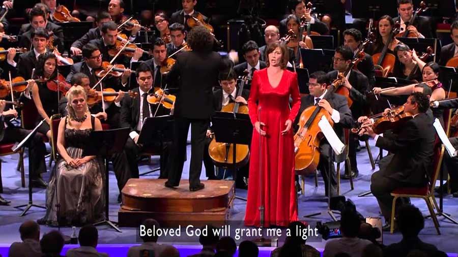 Sinfónica de la Juventud Venezolana Simón Bolívar junto al emergente Gustavo Dudamel