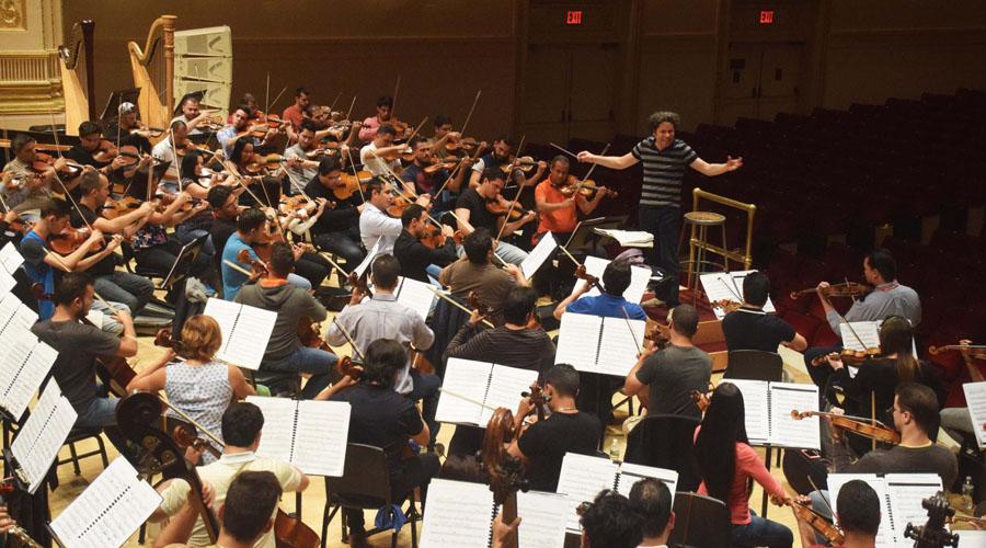 La Bolívar y Dudamel rinden homenaje a Simón Díaz en el Carnegie Hall