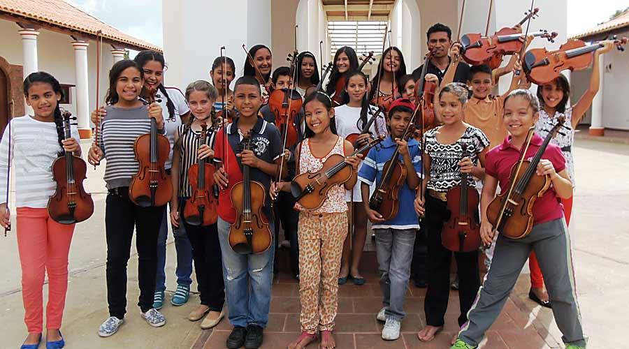 Realizan I Festival Regional de Violas de Falcón