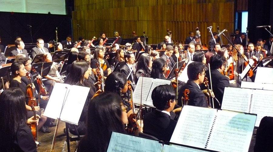 Orquesta Sinfónica de Falcón y Retro Blanco rinden tributo a Los Blanco
