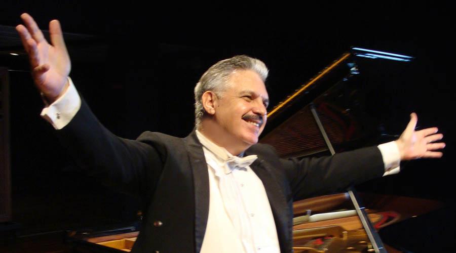 Leopoldo Betancourt ofrecerá concierto de piano en homenaje a Armando Manzanero