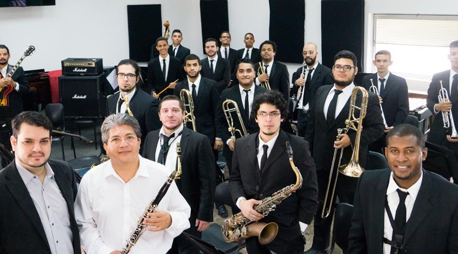 Giancarlo Castro dirige al ritmo de la Venezuela Big Band Jazz en Caracas y Maracay