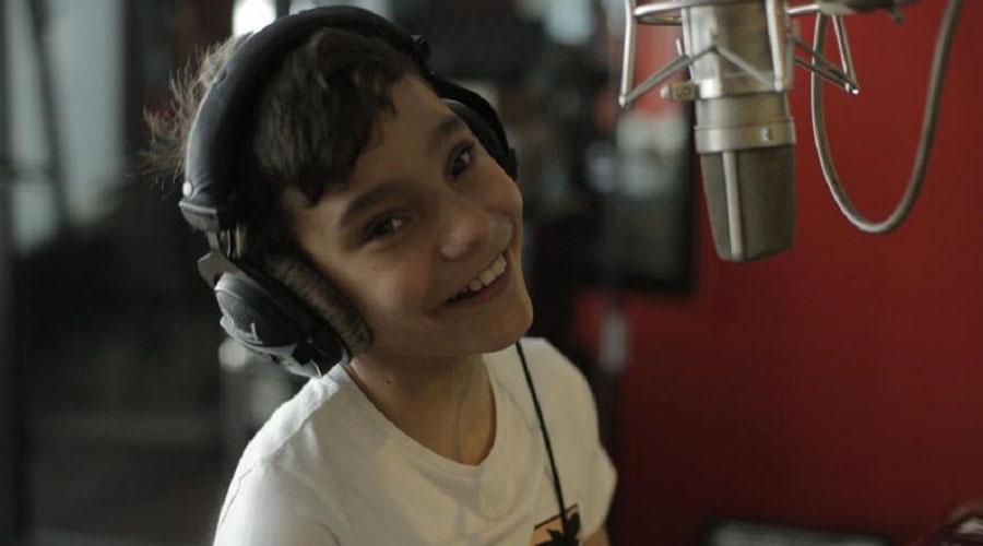 Adrián, el niño con hidrocefalia que inspira al mundo