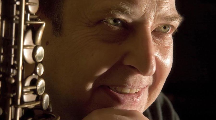 Conversaciones de Atril con Eladio Reinón