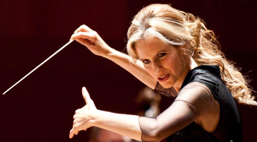 """Inma Shara: """"Liderar una orquesta sinfónica y una empresa es lo mismo"""""""