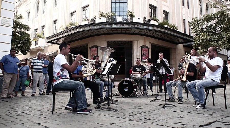 """La Banda Marcial Caracas ofrecerá """"Gran Concierto Navideño"""" en la plaza El Venezolano"""