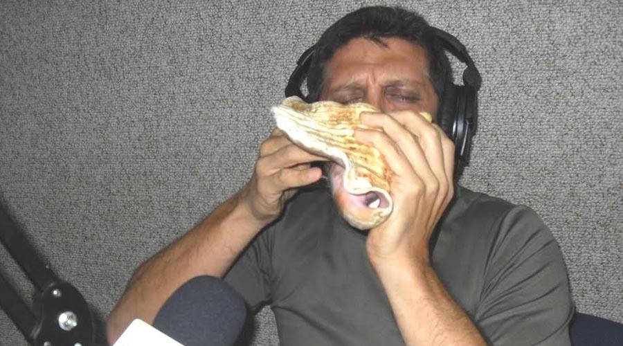 Adrián Suárez trae sonidos sagrados y los convierte en música