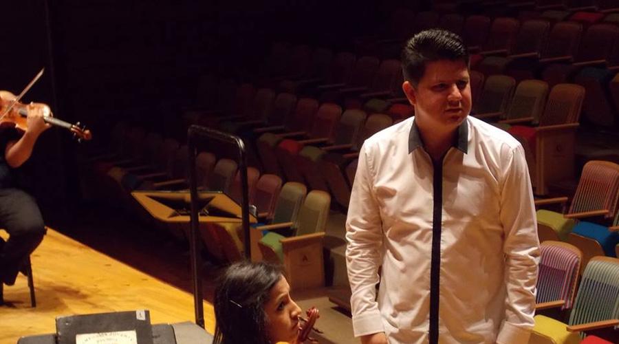 Danny Gutiérrez conduce a la Orquesta Sinfónica de Falcón