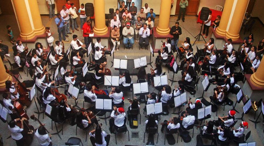 """La Sinfónica de Aragua presenta """"La OSA Canta"""""""