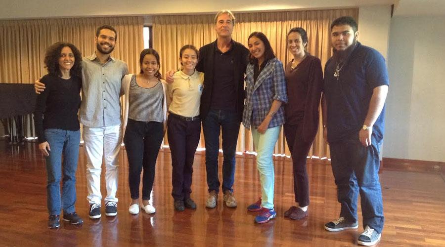 El flautista Ubaldo Rosso compartió clase magistral en la Escuela de Música Mozarteum de Caracas