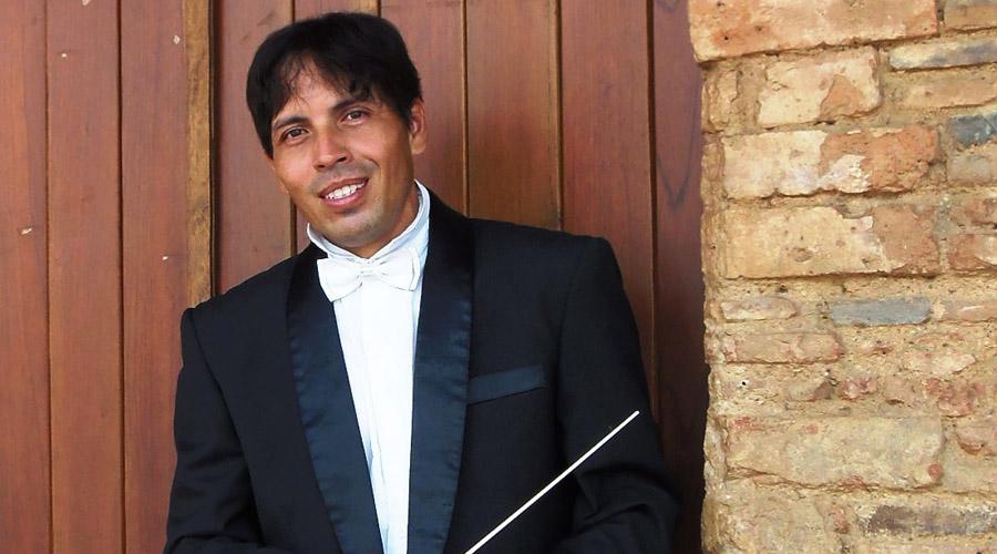 Gala homenaje a Juan Gabriel con la Sinfónica de Falcón