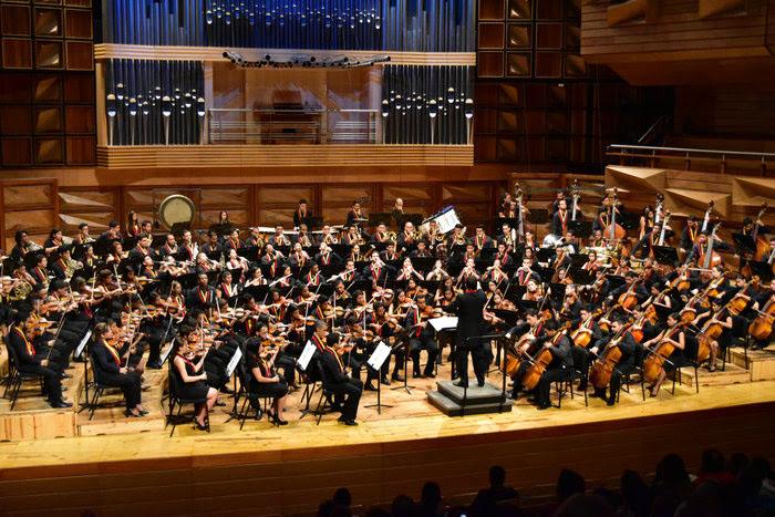 Relatos musicales contados por dos orquestas