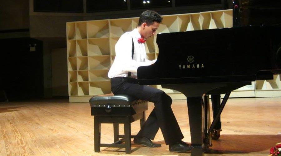 Pianista Elías Díaz se presenta junto a la Orquesta Sinfónica de Falcón
