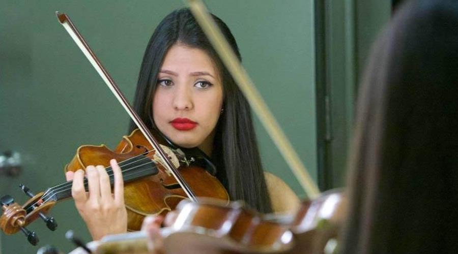 Violinista Emirzeth Henríquez presenta el Concierto de Brahms con la Sinfónica de Falcón