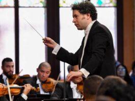 Gustavo Dudamel, en el Palau al frente de la Sinfónica Simón Bolívar de Venezuela. ANTONI BOFILL