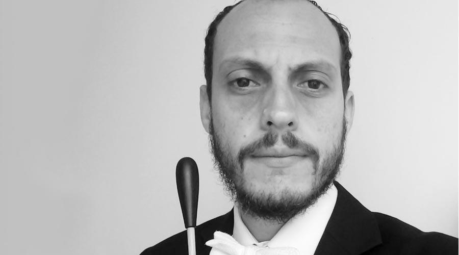 Venezolano Nuery Vivas es nombrado director titular de la Orquesta Sinfónica Municipal de Loja en Ecuador