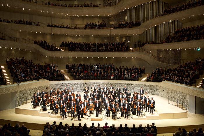 La Sinfónica Simón Bolívar de Venezuela y Gustavo Dudamel dejaron su sello en Hamburgo