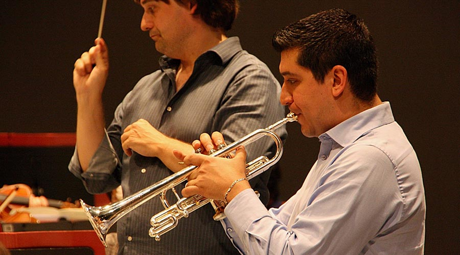 El trompetista Pacho Flores acompañará este jueves a la Orquesta Sinfónica de Baleares en el duodécimo concierto de temporada