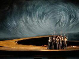 El grupo de valquirias en la ópera 'Die Walküre', de Richard Wagner, con la que el Festival de Pascua de Salzburgo conmemora su 50º aniversario.