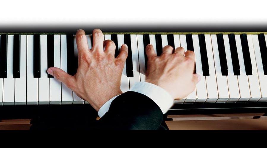 Las digitaciones veloces pueden afectar las manos del músico