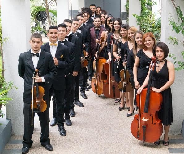 Orquesta Clásica Latina Simón Bolívar