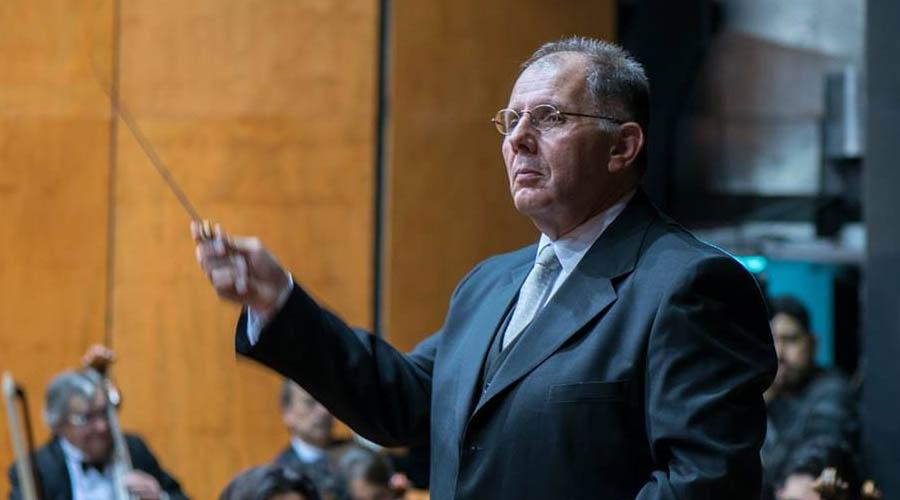 Crítica especializada elogia labor de Rodolfo Saglimbeni en su debut en Montevideo