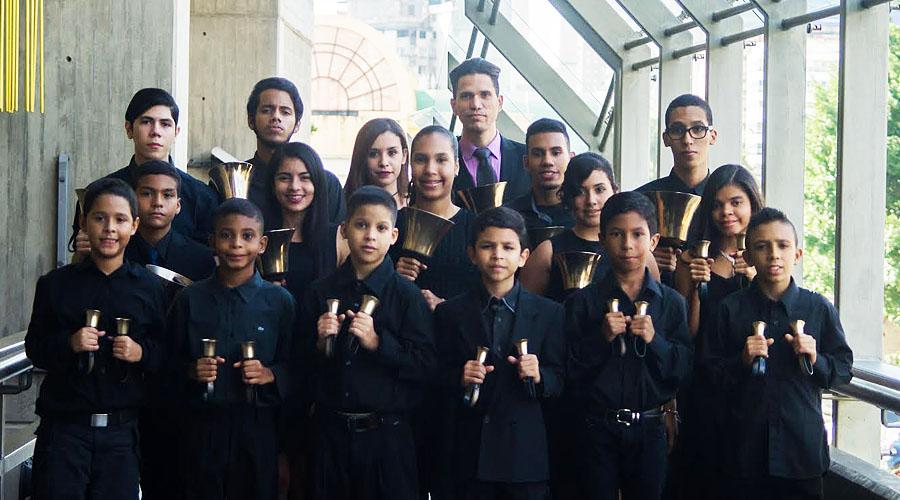 Coro, Campanas y Saxofones en concierto en la Sala José Félix Ribas