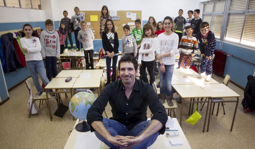 """César Bona: """"La curiosidad de los niños no debe morir en la escuela"""""""