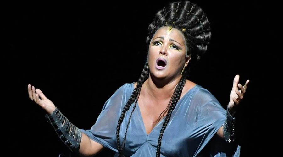 La diva Netrebko y el rey Muti triunfan con una 'Aida' sin exotismo