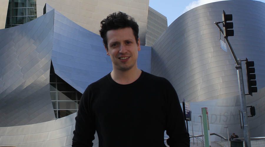 Paolo Bortolameolli: «Enfocar la apreciación artística desde el elitismo intelectual segrega»