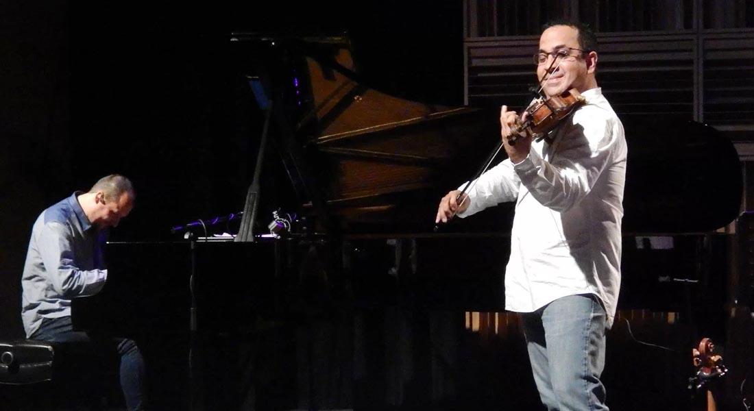 El tango vibra en el Centro Cultural BOD con el violín de Eddy Marcano