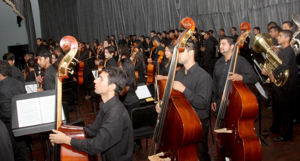 Orquesta Juvenil Regional Falcón realiza concierto en el Teatro Omar Hurtado