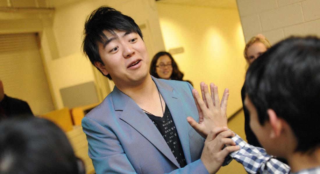 Tendinitis obliga a Lang Lang a cancelar conciertos en Alemania y Asia