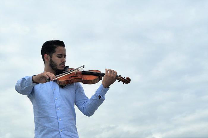 El violinista Jorge Velásquez será el solista de este domingo