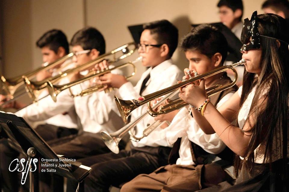En Argentina el mundo de la música atrapa a cientos de niños y jóvenes