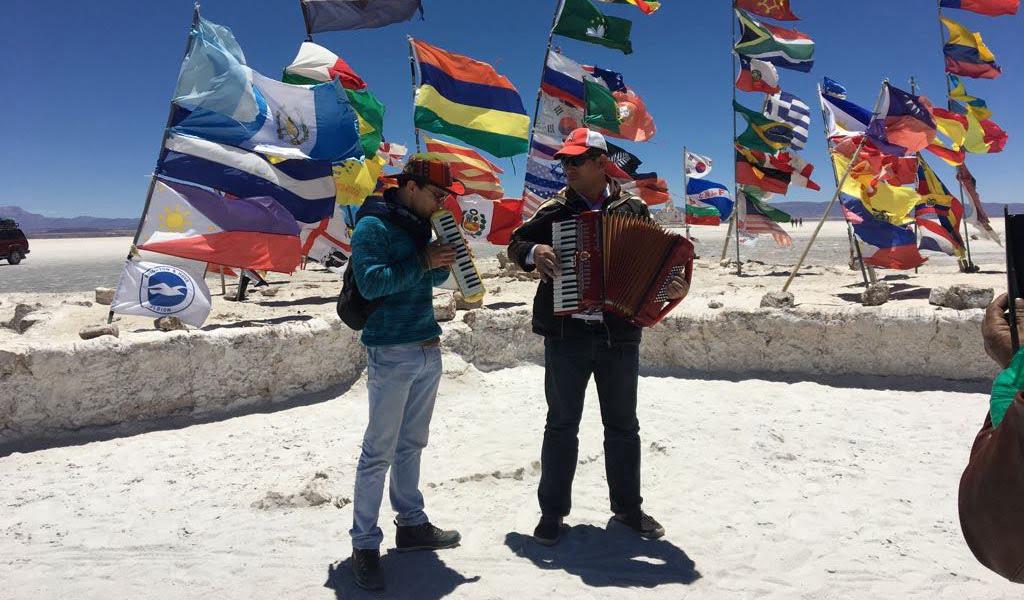 José Agustín Sánchez se despide de Bolivia con una ofrenda musical a la Virgen