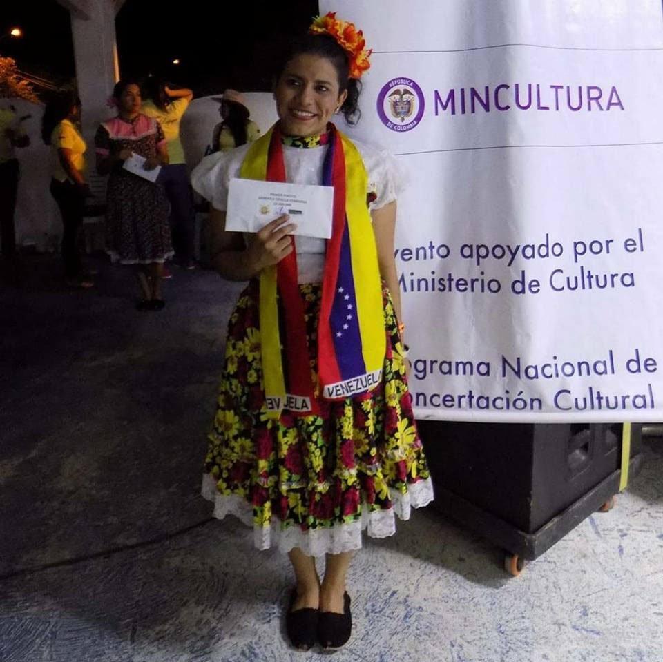 La bandola colombiana tiene una reina venezolana
