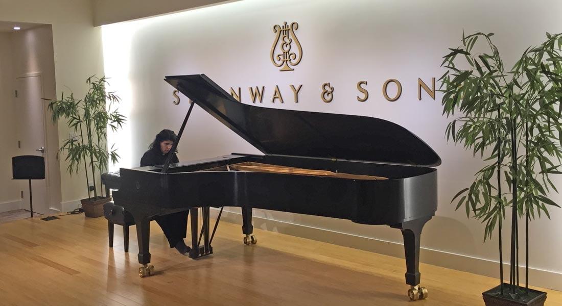 """Sylvia Constantinidis presenta el disco """"Antonio Estévez: 17 Piezas Infantiles para piano"""""""