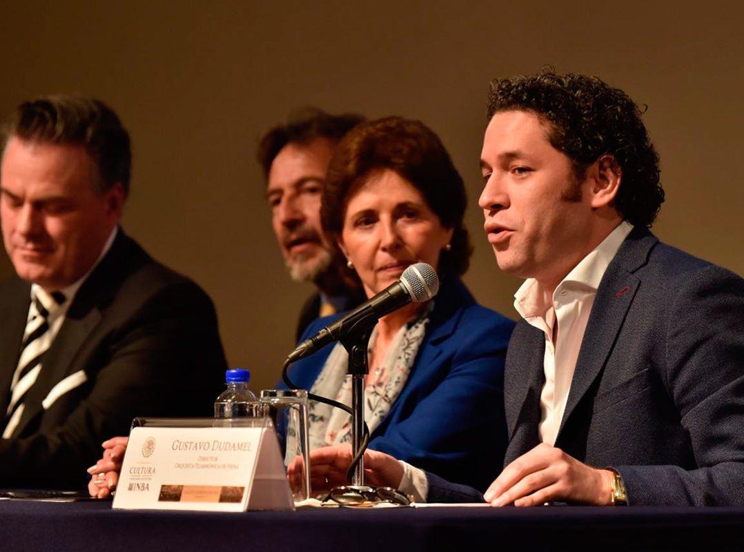 """Gustavo Dudamel: """"Una América, no tres, que cantamos y luchamos por este sueño de libertad"""""""