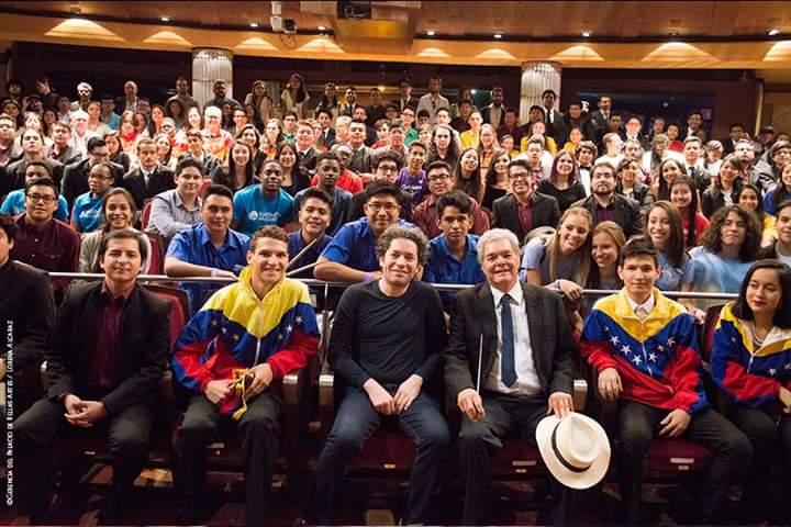 Gustavo Dudamel: «Una América, no tres, que cantamos y luchamos por este sueño de libertad»