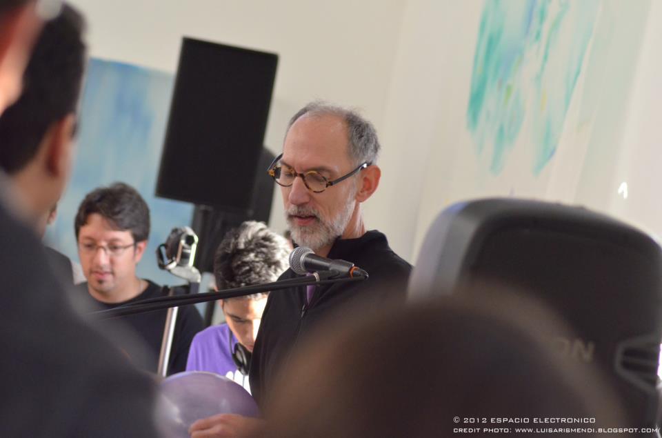Ricardo Teruel presenta dos obras de video arte con interacciones sonoras en vivo