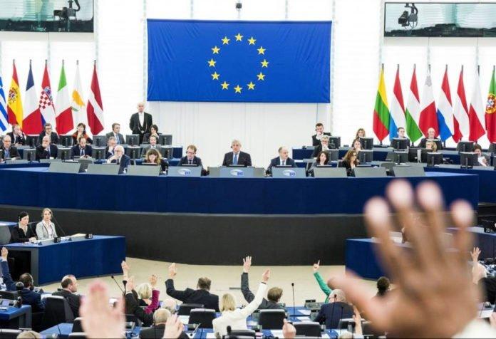¡Respira Youtube! Parlamento Europeo rechazó cambios de derechos de autor en internet