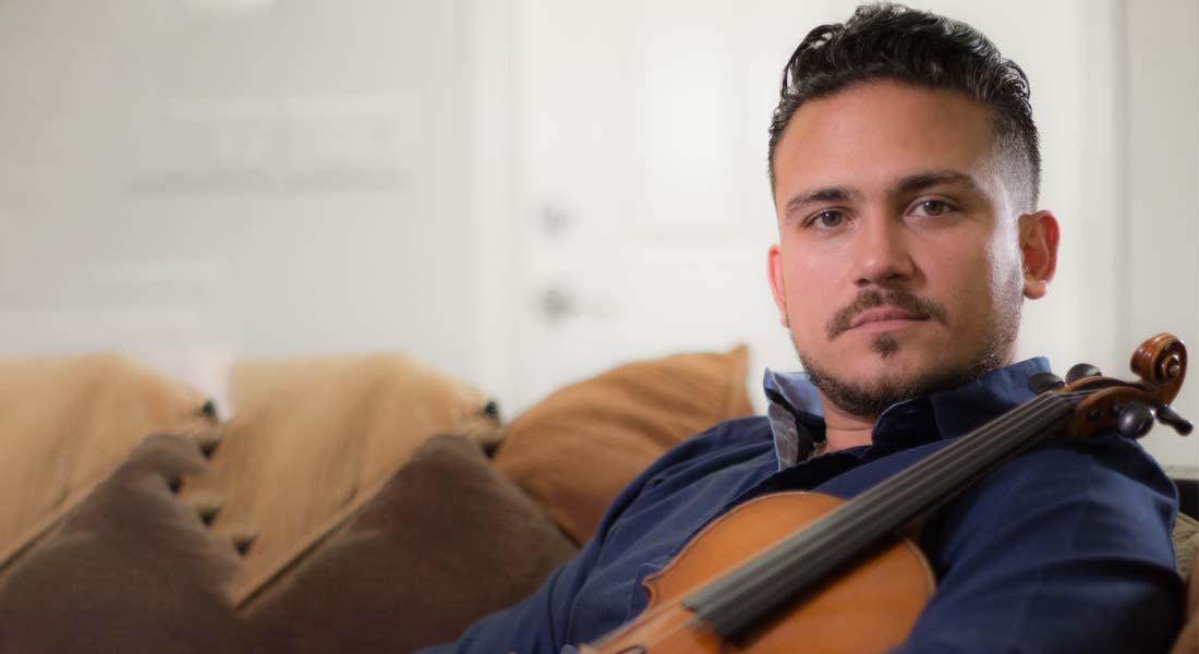 Imanuel Sandoval: Un violinista que quiere brillar con luz propia