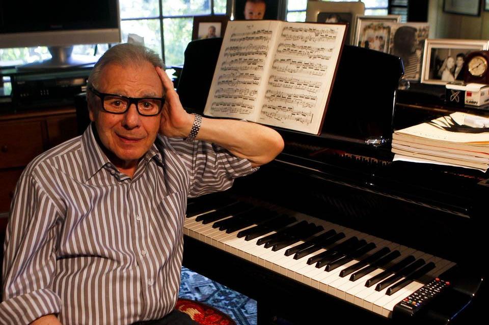 """Un Oscar honorífico para el argentino que logró expresar en música el significado de """"imposible"""""""