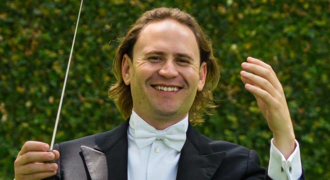 El venezolano Christian Vásquez dirige la Sinfónica de Galicia en dos ciudades de España